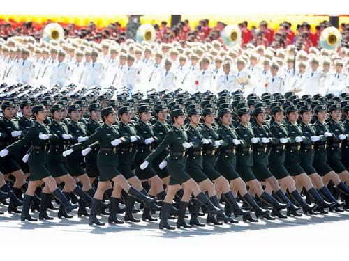 【阅兵训练场的故事】女兵方队:铿锵豪迈 芳华绽放